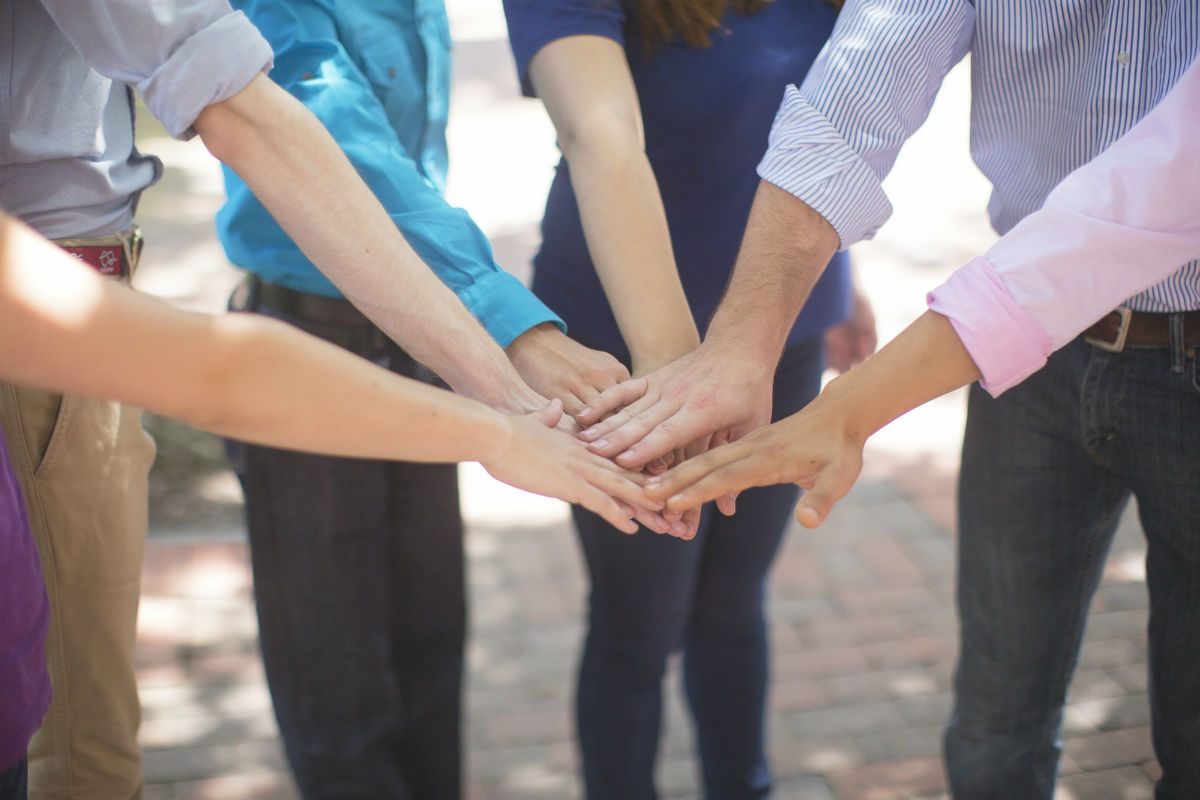 7 Positives of Team Building Games